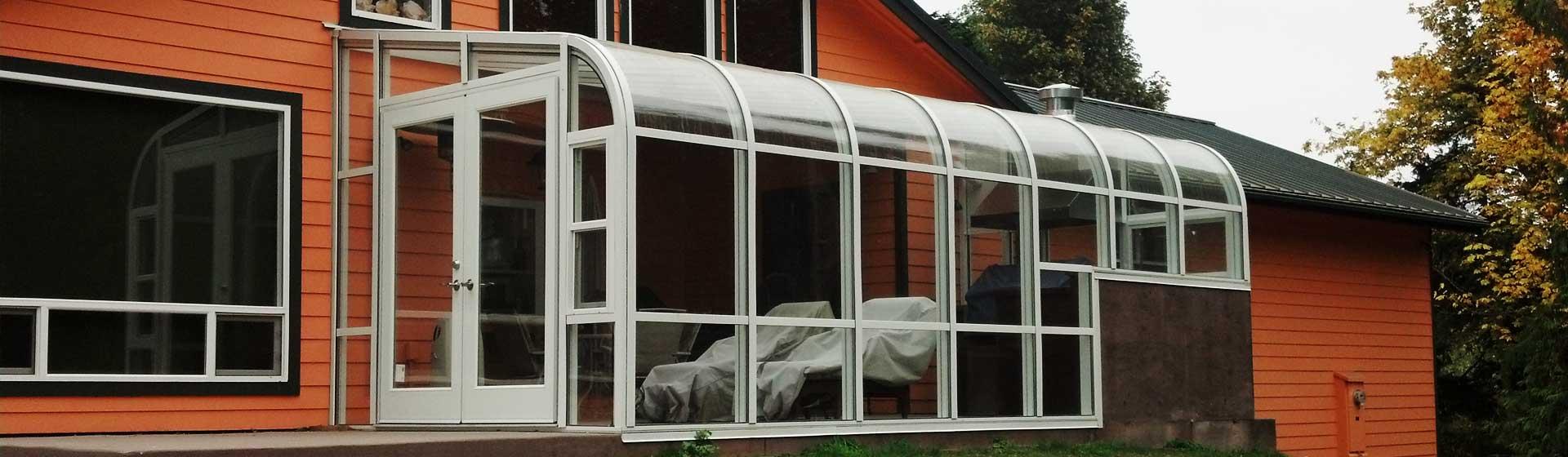 curve-eave-sunrooms