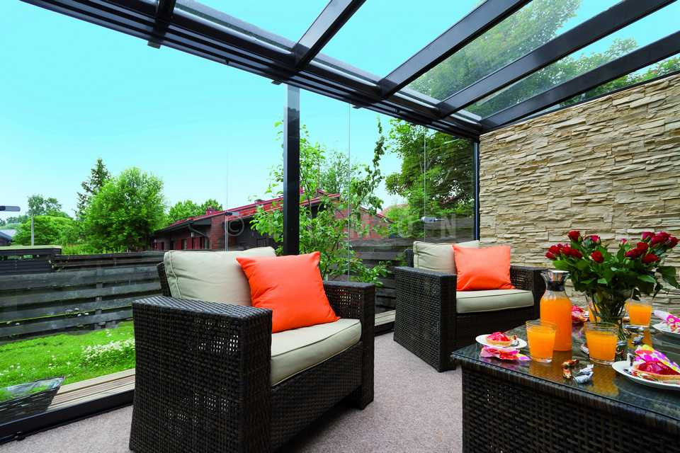 Http://seattlepatiocovers.com/images/retractable Glass Walls/retractable  Glass Walls For Residential/retractable Glass Walls Residential 00114