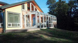 curve-eave-sunroom-03