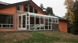 curve-eave-sunroom-04
